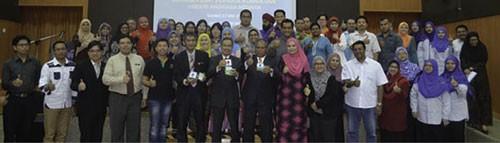 مراسم امضای یادداشت همکاری بین آژانس ملی فضایی مالزی و سازمان ملی اوتیسم ( Autism ) این کشور